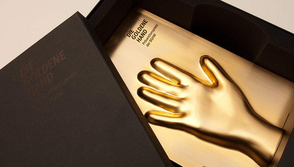 Bild der Trophäe der Goldenen Hand