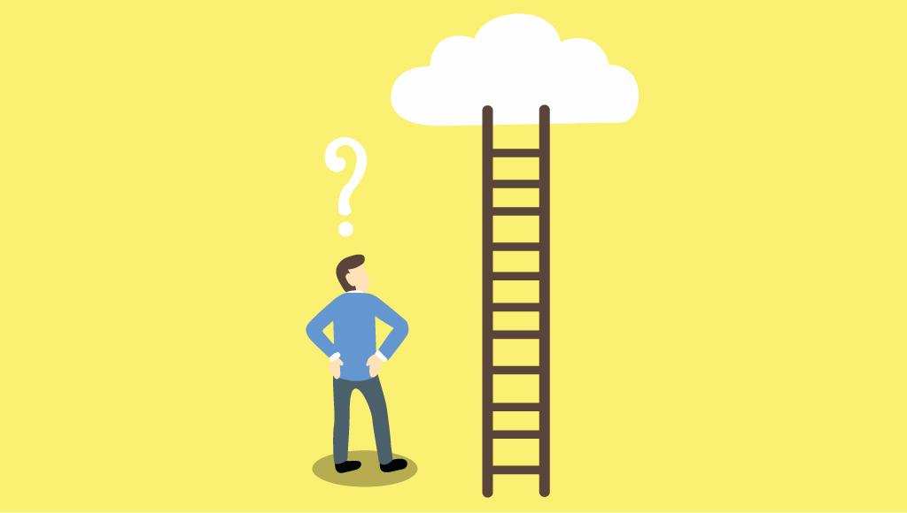 Auf dem Bild ist ein Mann zu sehen, der vor einer Leiter steht und ein Fragezeichen über dem Kopf hat